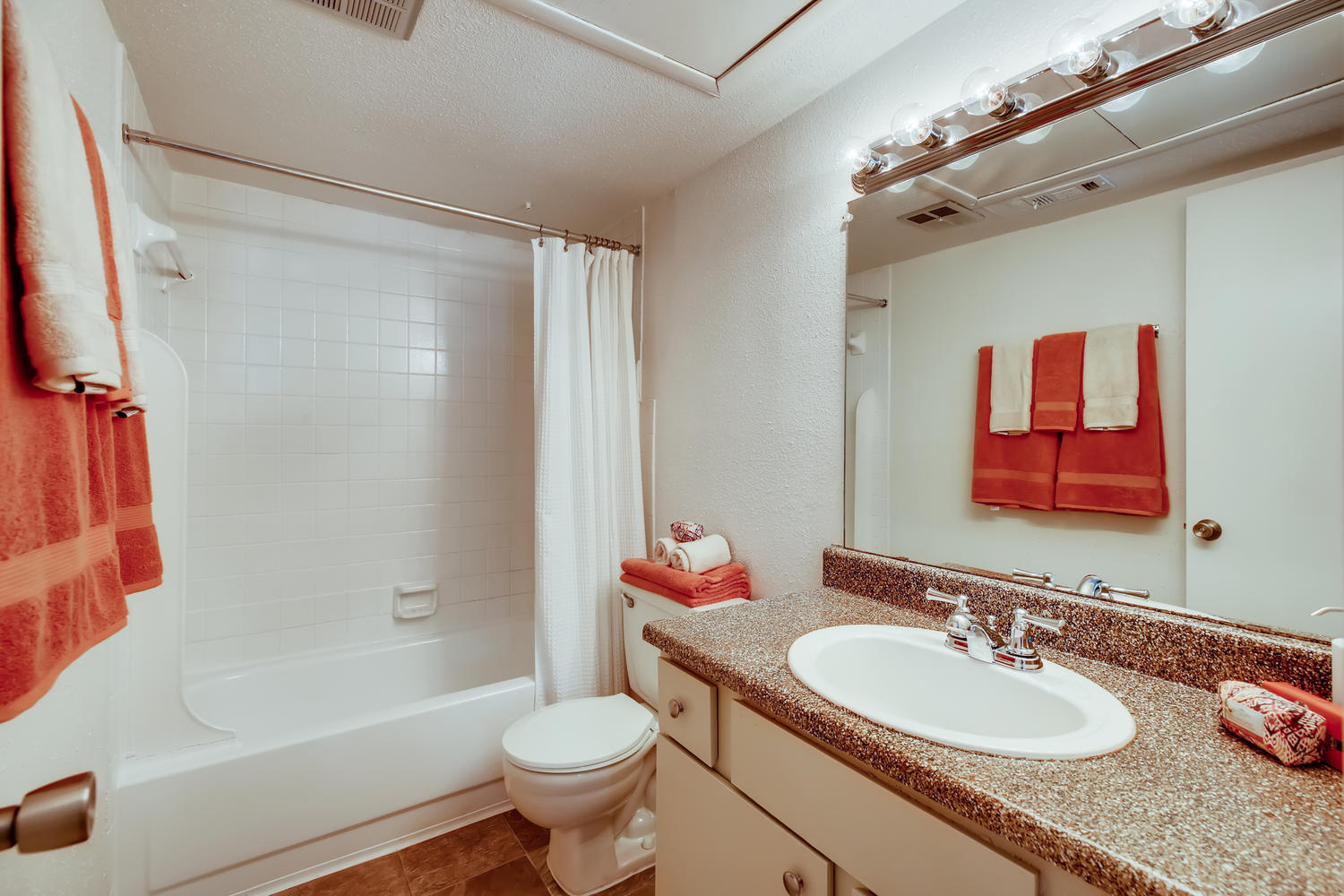 gallery | Greenridge Place Gated Apartments Galleria, Tx